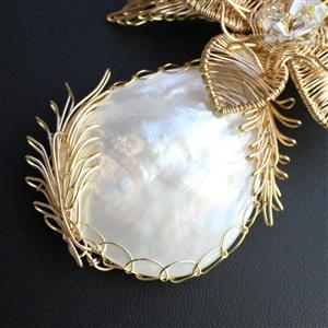Shell We Dance; 4 White Shell Cabochons and 30m Champagne Gold Coloured Wire