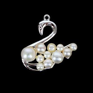 925 Sterling Silver Freshwater Cultured Pearl Detail Swan Approx. 25 x 26mm
