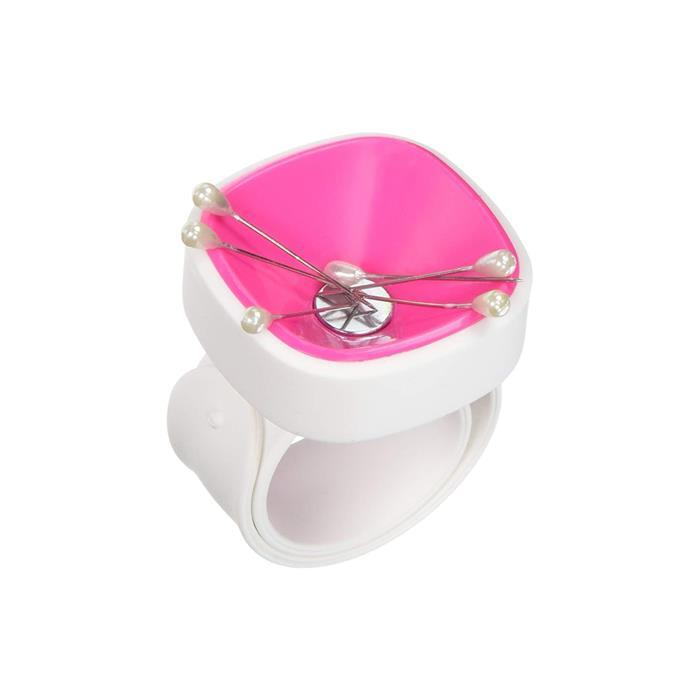 Wristpinny strap-on magnetic pincushion