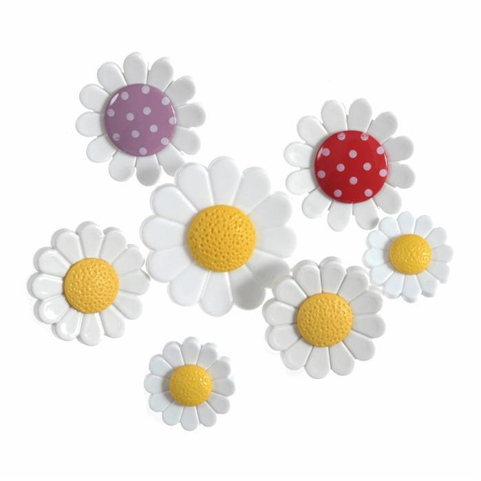 Assorted Daisies Buttons: Pack of 7