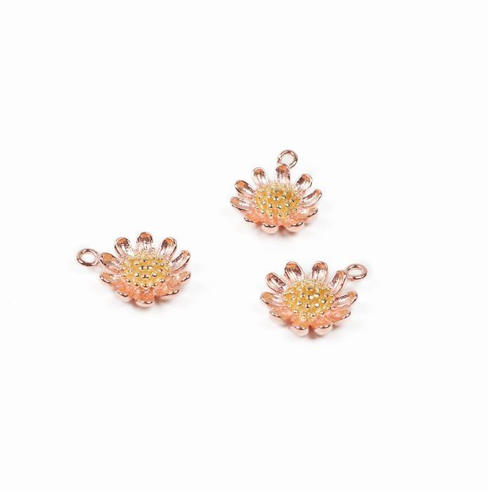 925 Sterling Silver 2 Tone Daisy Flower Charms Approx 10mm, 3pcs